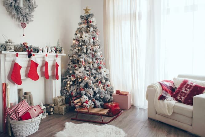 4 Helpful Tips In Preparing Your Home For Sale During The Holidays